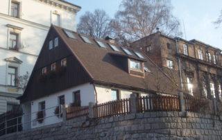 Střechy a krovy